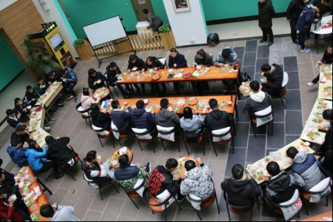"""海棠九号书院举办""""教授午餐会"""" 畅谈大学生活"""