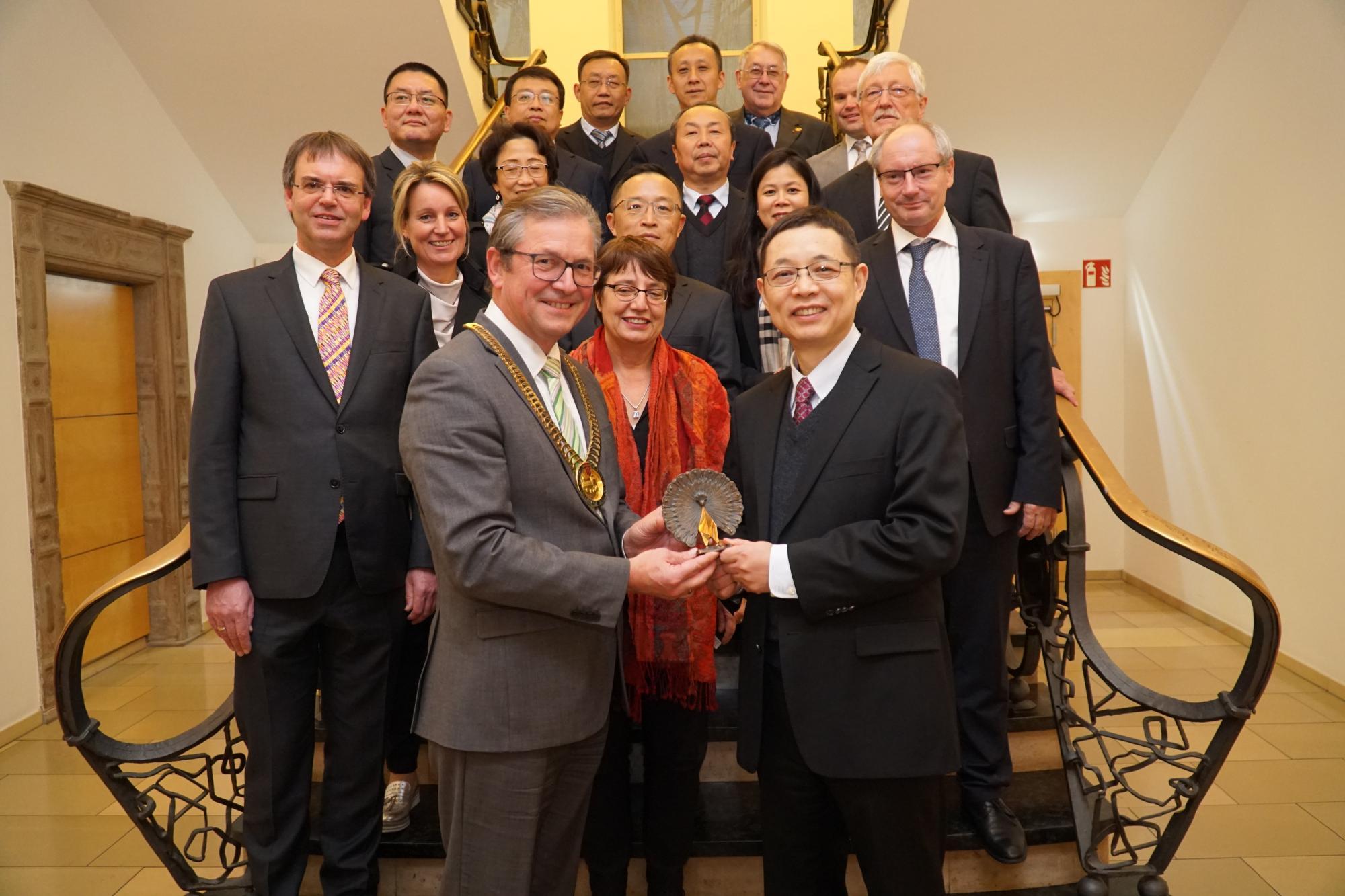 校长杨宗凯率团访问欧洲 积极拓展对外合作交流