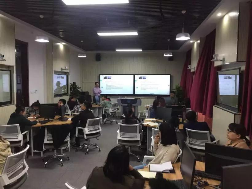 西电建成全国第一个人工智能教育创新实验室